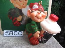 hallmark 1983 Thimble Elf Cupcake 6th In Series Christmas Ornament