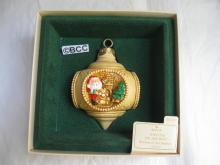 Hallmark 1983 Santa's On His Way 4 Scenes Christmas Ornament