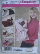 New Simplicity 2744 Small Breed Dogs & Puppy Bunting Carriers & Hats Sewing Pattern