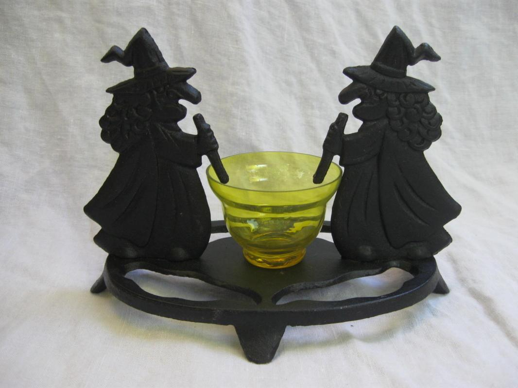 Cast Iron Witches Tea Light Decorative Candle Holder