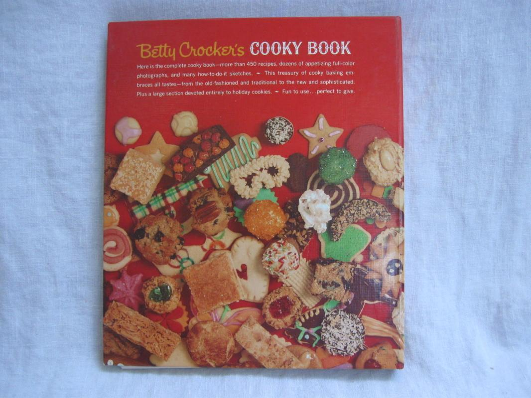 Betty Crocker's Cooky Cookie Book Cookbook Copyright 1963  2002