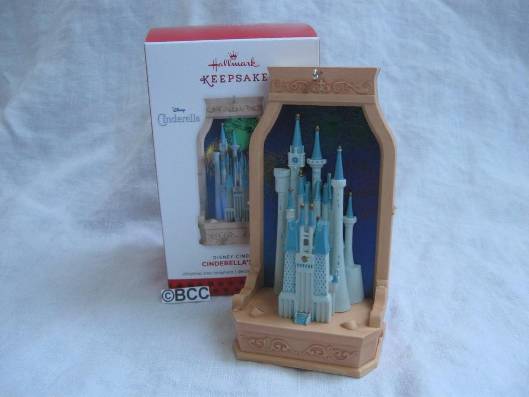 Hallmark 2013  Cinderella's Castle Disney Magic Music Lights Keepsake Christmas Ornament