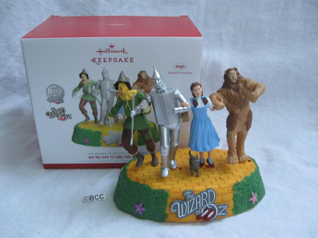 Hallmark 2013 Off To See The Wizard Table Top Display Wizard Of Oz