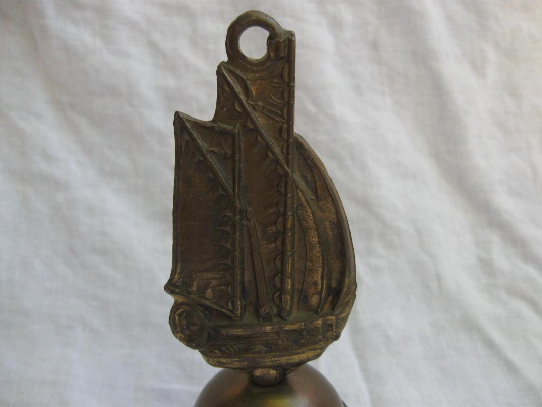 Tall Ship Kitchen Silent Butler Crumb Broom Brass Metalware