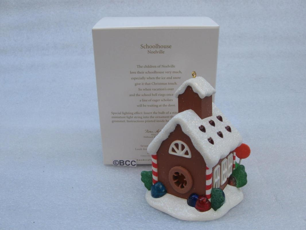 Hallmark 2012 Schoolhouse 7th In Noelville Series Gingerbread With Magic Light