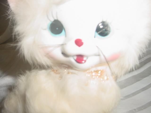 Porcelain Fur White Smiling Kitty Cat
