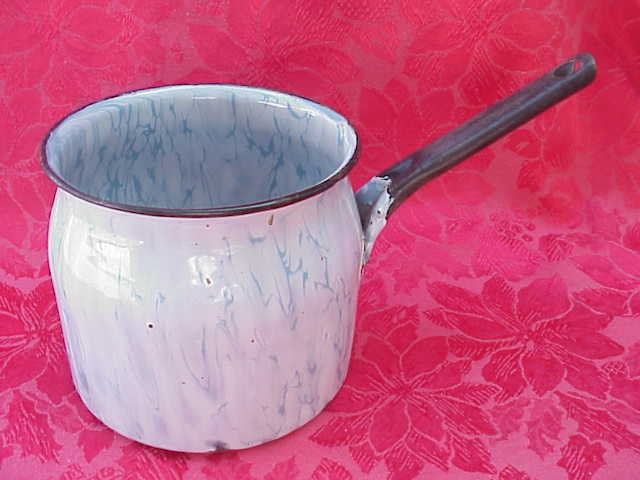 Vintage Snow On The Mountain Blue & White Enamelware Swirl Pot