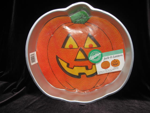 Wilton Pumpkin  Jack O Lantern JOL Cake Pan