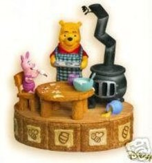 Hallmark 2007 MAKING SWEET REMEMBERIES Winnie The Pooh Collection With Magic Sound, Movement  & Scent Christmas  Ornament
