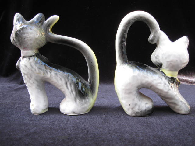 Vintage Arched Tail Cats Salt & Pepper Shakers Halloween Cats