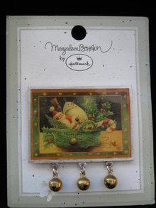 Hallmark 1999  Marjolein Bastin Christmas Sceen Pin or Brooch
