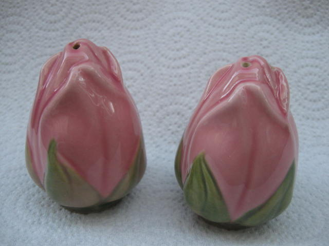 Vintage Franciscan Desert Rose Salt & Pepper Shakers Rosebud