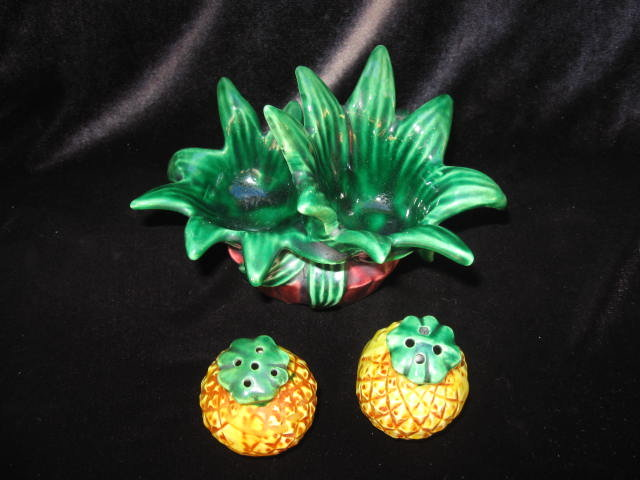 Vintage 3 Piece Set Pineapple With Holder Salt & Pepper Shakers
