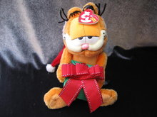 Ty  Christmas Garfield HAPPY HOLIDAYS Garfield The Cat   Retired     Beanie Baby