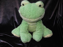 Ty Pluffies LEAPERS The Frog Pluffie Green & Yellow Frog