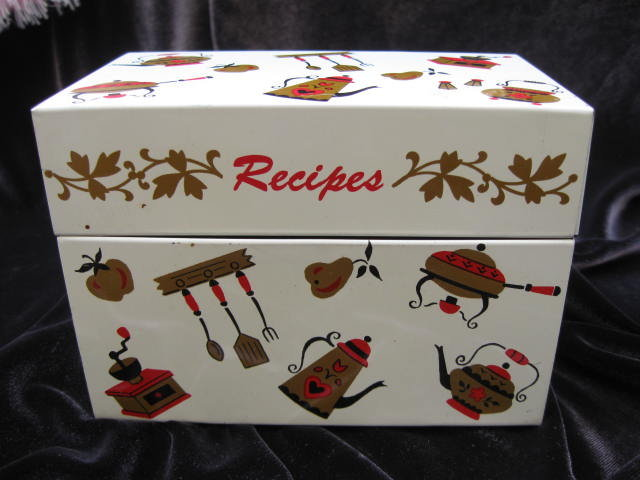 Vintage Ohio Art  Kitchen Motif Recipe Box