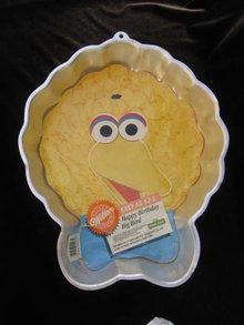 Wilton Sesame Street Big Bird Cake Pan With Paper Insert