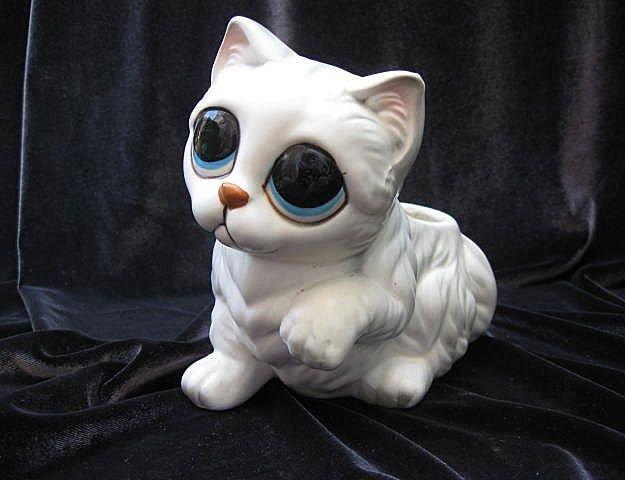 Vintage Lefton Big Eyes White Kitty Cat Figural Planter
