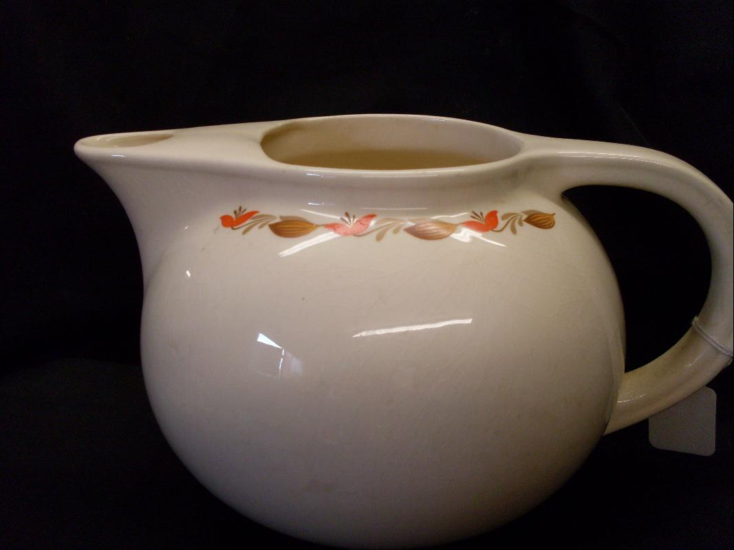 UNIVERSAL CAMBRIDGE TEA POT OVEN PROOF USA