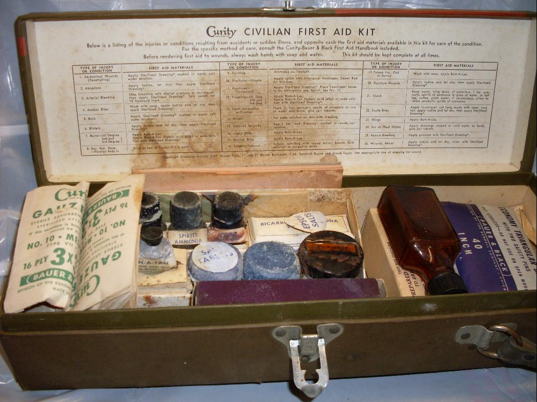 FIRST AIDE CURITY CIVILIAN FIRST AIDE KIT BAUER AND BLACK