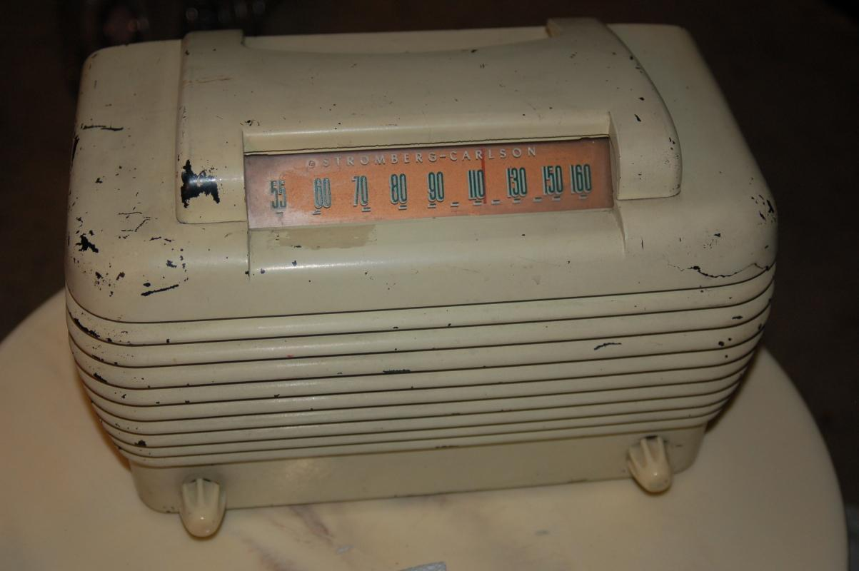 ANTIQUE STROMBERG-CARLSON RADIO