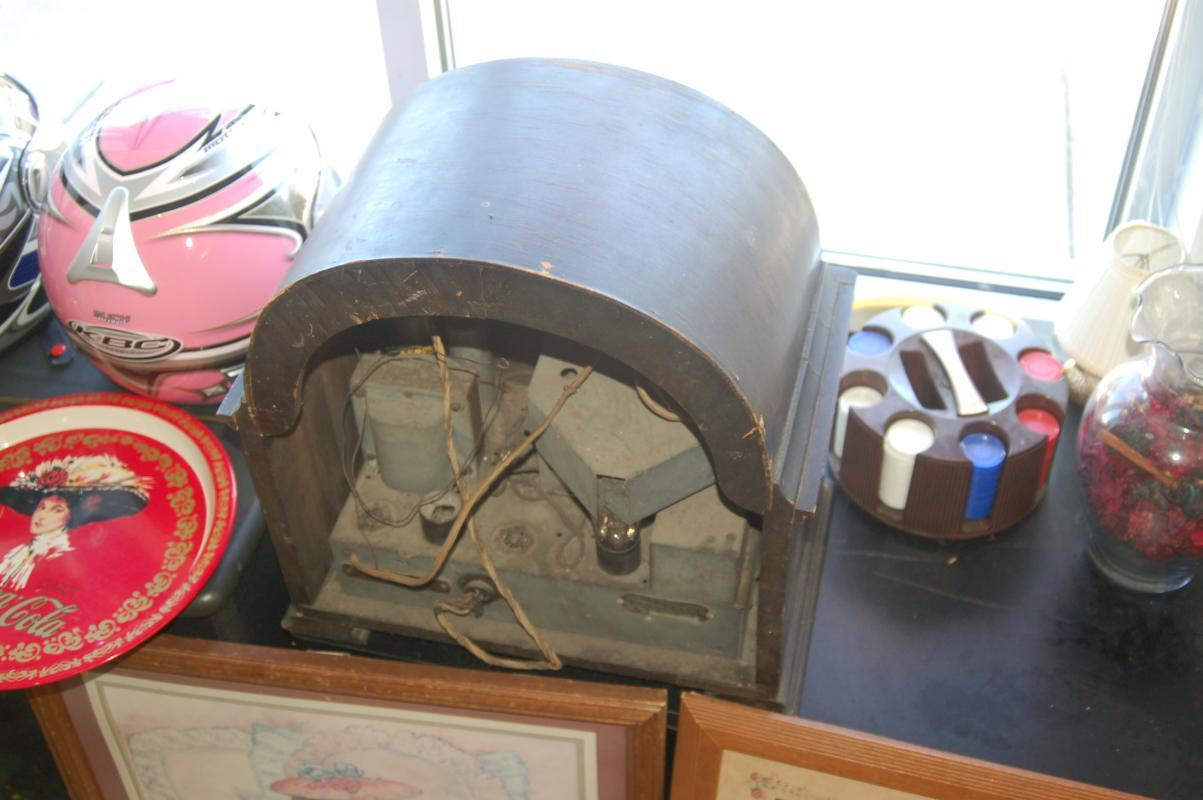ANTIQUE CROSLY RADIO