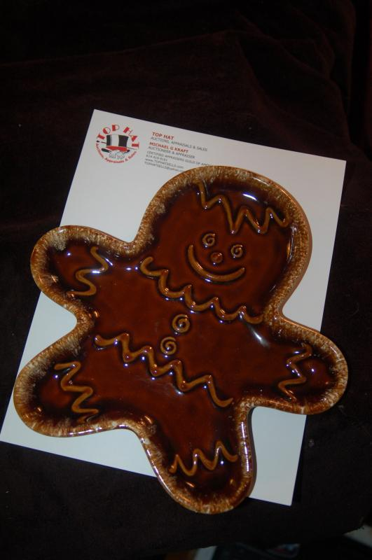 HULL GINGERBREAD MAN