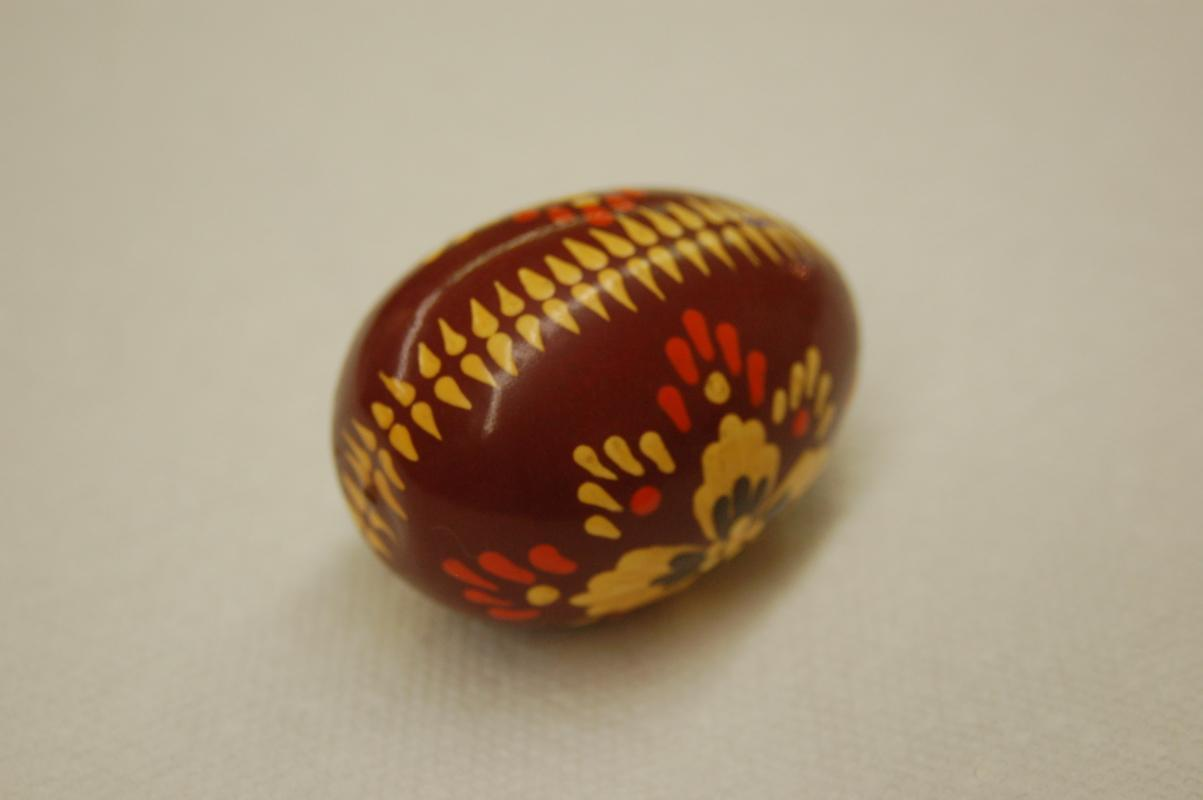 COLLECTIBLE HAND PAINTED EGG