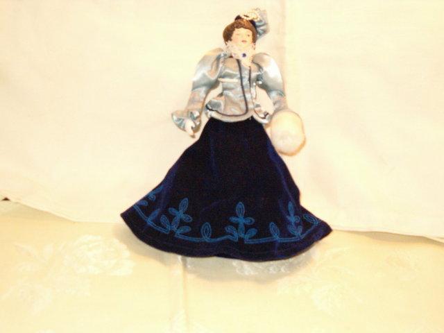 Victorian doll Avon 1987