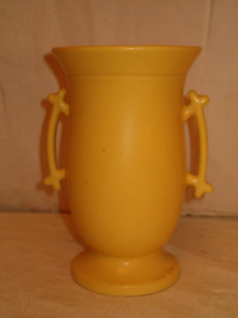 Monmouth handled vase-yellow