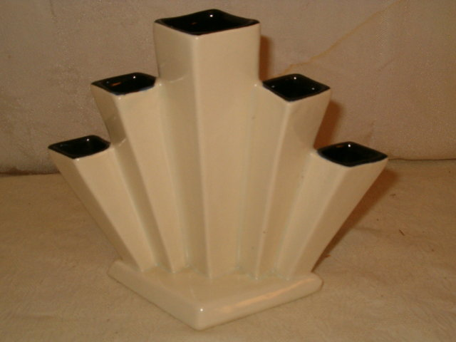 Rumrill Art Deco fan vase