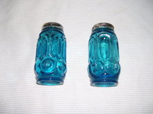 Vintage Blue Beaded Stretched Thumb print glass Salt & Pepper Shakers