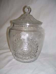 A Large Vintage early american pattern glass- Mothers Cookie Jar