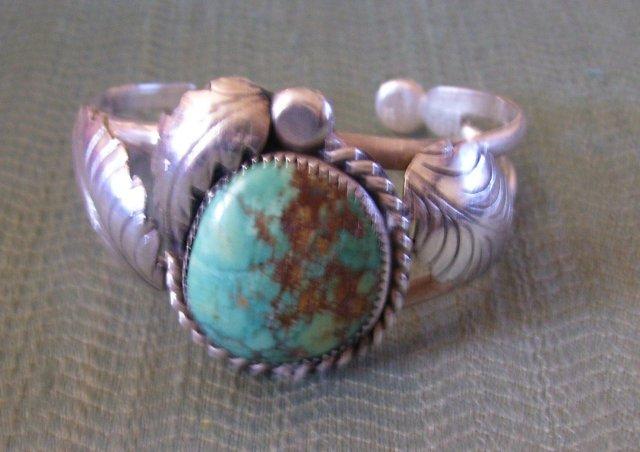 BisbeeTuquoise Cuff Bracelet -Silver -Leaf Design