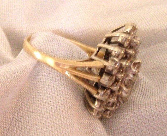 Ladys 3.00cts. Diamond Ring - 9.50 grms 14K Yellow  Gold