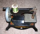 Lindstrom 1936 Toy Shirley Temple  '' Little Miss'' hand crank sewing machine