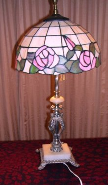 A  Vintage Double Pull Chain, Decorative Victorian Arts Sculpture Lamp with A Contemory Tiffany Style Leaded Glass Shade