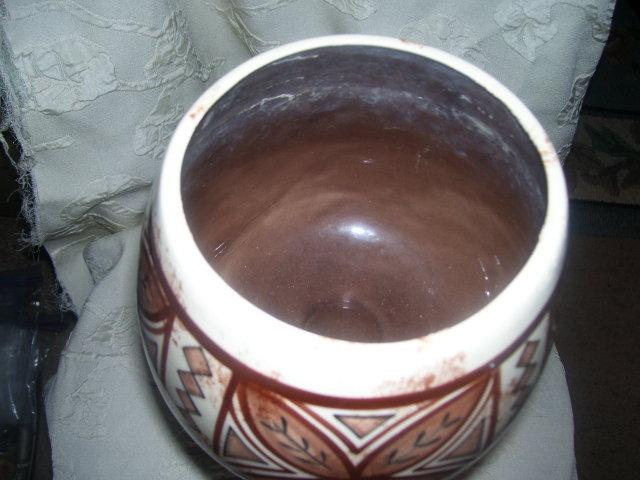 Handcrafted under glaze, with Geometric leaf motif pot by HALE  AHI-koval Hawaii
