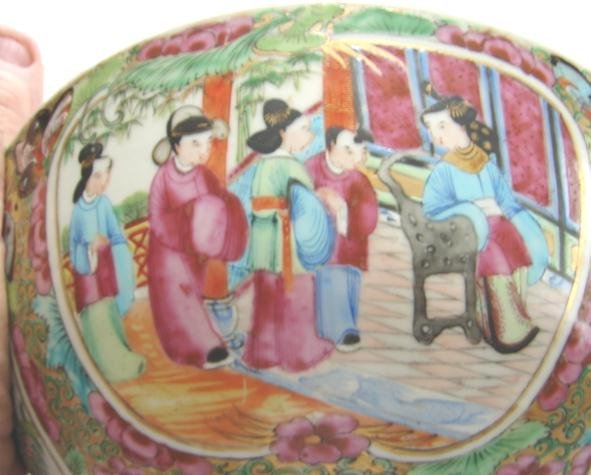 C. 1840 CHINESE EXPORT ROSE MEDALLION BOWL 8