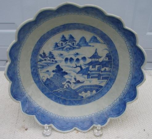 C. 1840 CHINESE EXPORT BLUE CANTON SAW TOOTH BOWL 10 1/4