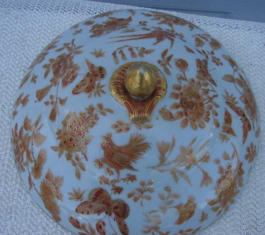 C. 1820 PAIR OF CHINESE EXPORT SACRE D BIRD AND BUTTERFLY SEPIA  OT WATER DISHES W/COVERS