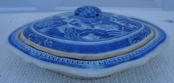 C. 1890 CHINESE EXPORT NANKING VEGETABLE DISH