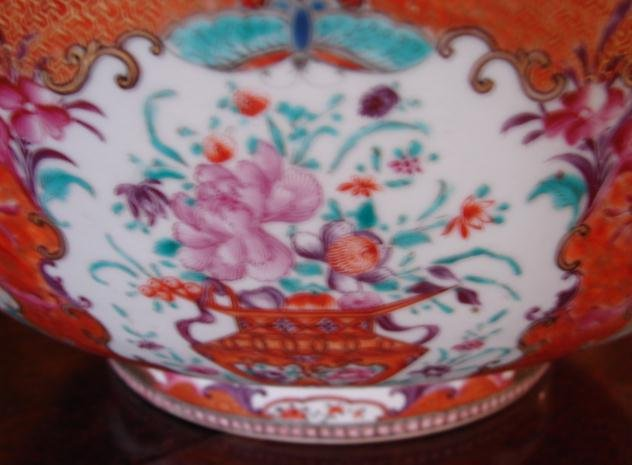C. 1770 CHINESE EXPORT MANDARIN PALETTE BOWL 14 1/2