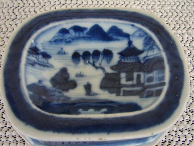 C. 1820 BLUE CANTON PAIR SALT TRENCHERS