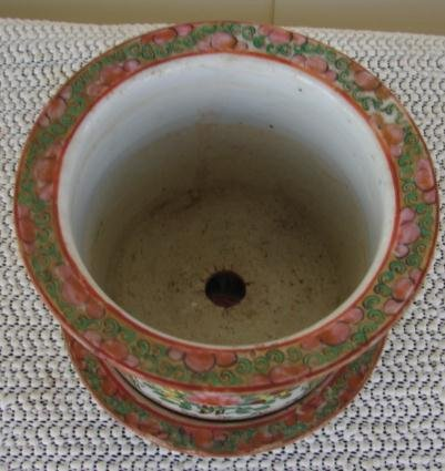 C. 1880 CHINESE EXPORT ROSE MEDALLION CACHE POT