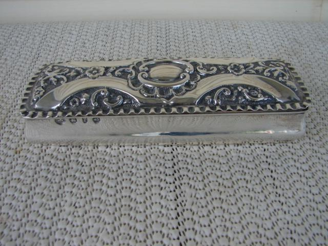 C. 1920 ENGLISH STERLING SILVER BOX W/COVER