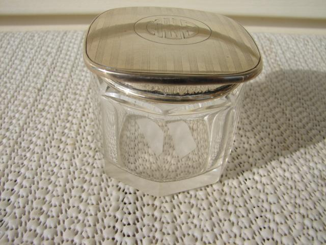 C. 1920 CRYSTAL GLASS DRESSING JAR W/TOP