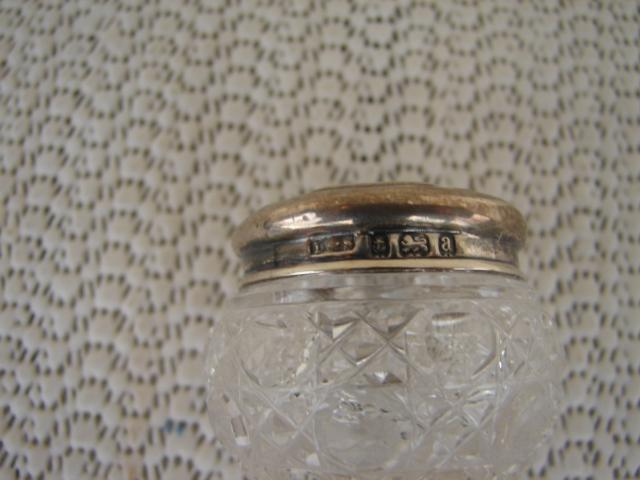 C. 1920 CRYSTAL GLASS BOTTLE W/STERLING TOP