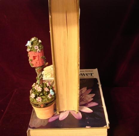 GARDEN BOOK LAMP