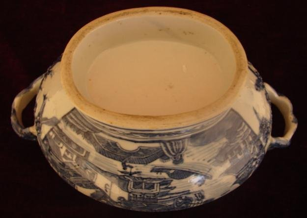 C. 1800 CHINESE EXPORT NANKING TUREEN